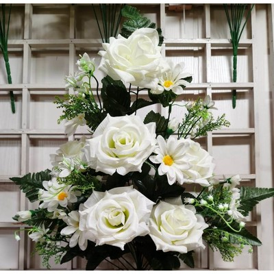 Б17 Букет роз с ромашками 18 голов 60 см