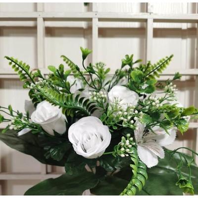 Букет роз с добавками 13 голов 35 см